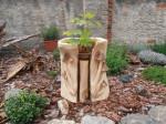 Květináč s motivem hub, orientační cena 3-4000,-Kč