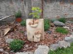 Květináč s motivem hub, orientační cena 6.500,-Kč