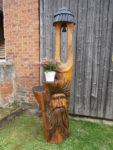 Dubová zvonice s obličejem a plochou na 2 květináče. Výška 195cm. Orientační cena 15.000,-Kč. U vyšší zvonice se mění cena.
