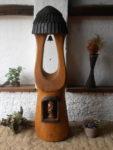 Dubová zvonice s dutinou na svatou sošku. Výška 2,5m. Zvon v ceně. Bez sošky. Cena 20.000,-Kč.
